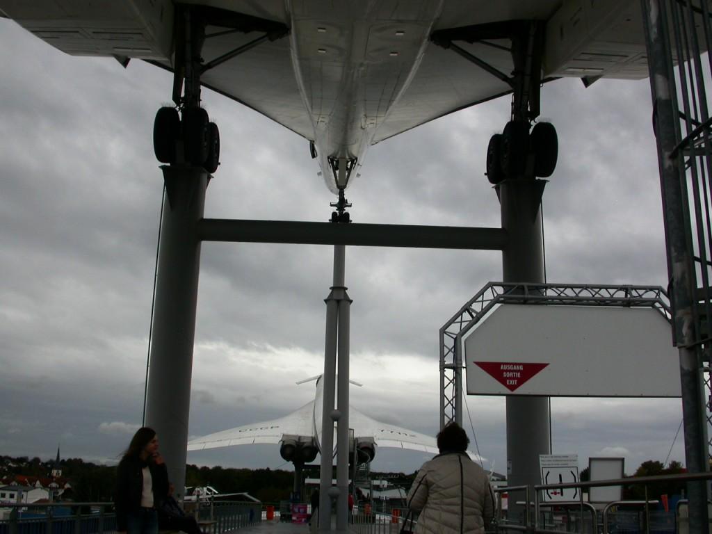 Unter der Concorde, Blick auf die Tupolew